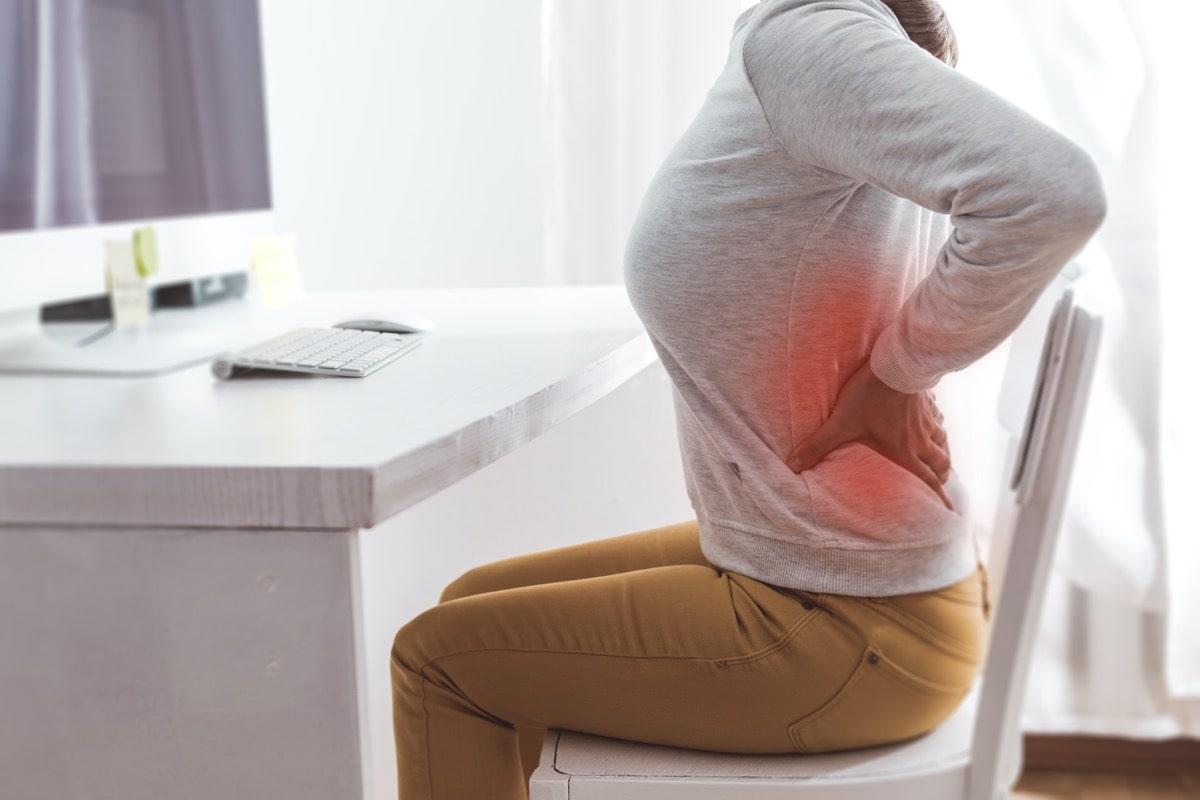 在宅テレワーク必需品!ゲーミングチェアで腰痛や肩こりを予防する!